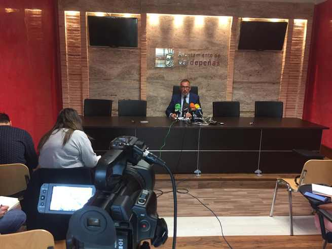El Ayuntamiento de Valdepeñas realizará siete acciones formativas para funcionarios a lo largo del presente año