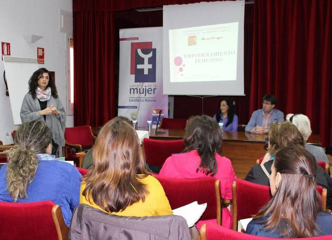 Imagen: Jornada sobre Cooperativismo y Mujer en el Ámbito Rural