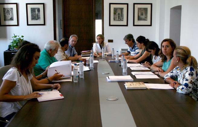 Imagen: La Junta de Gobierno aprueba los conciertos de las Ferias de Agosto y las condiciones para el desarrollo de Luz Greco 2015