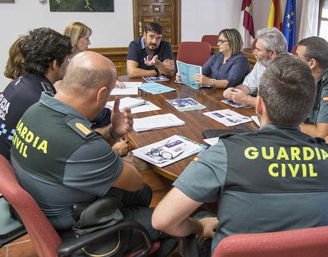 Cuerpos de seguridad e instituciones de Marchamalo concretan el dispositivo de seguridad de cara a las fiestas
