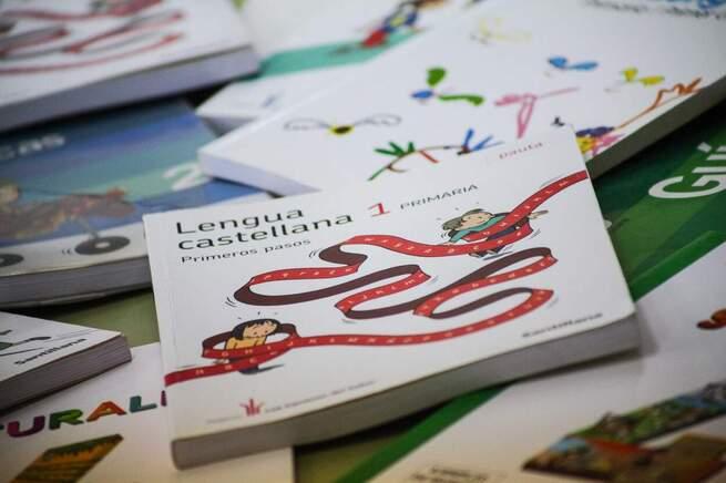 El Gobierno regional garantiza que cerca de 60.000 escolares de Castilla-La Mancha tengan ayudas para libros de texto este curso