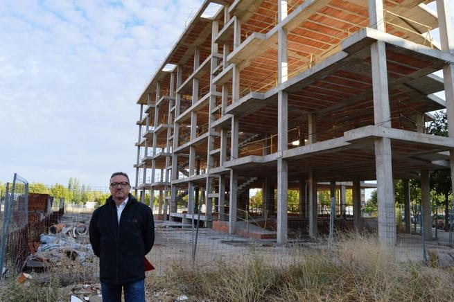 """Imagen: El concejal de Urbanismo de Ciudad Real denuncia un nuevo """"edificio fantasma"""" que ha costado 1,4 millones de euros"""