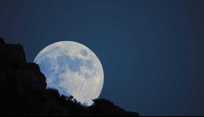 Video Timelapse: Gran luna en Puertollano