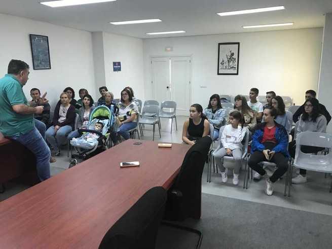 El alcalde de Mestanza denuncia graves problemas con el servicio de transporte escolar y regular
