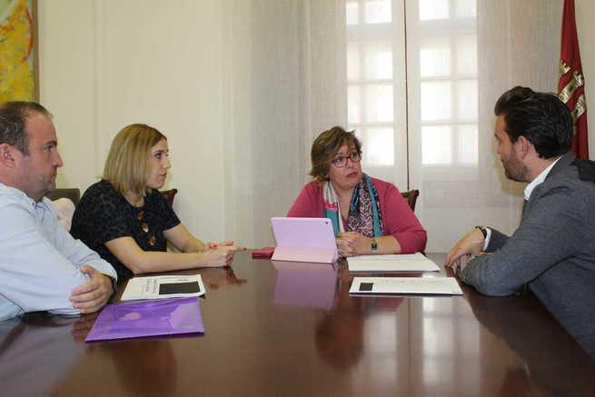 Eurocaja Rural acerca a los universitarios sus programas de prácticas y ofertas de empleo   Objetivo Castilla-La Mancha Noticias