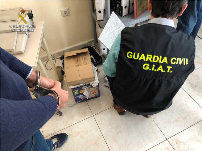 La Guardia Civil desarticula un Grupo organizado dedicado a la contratación de seguros de flota para empresas, a vehículos particulares