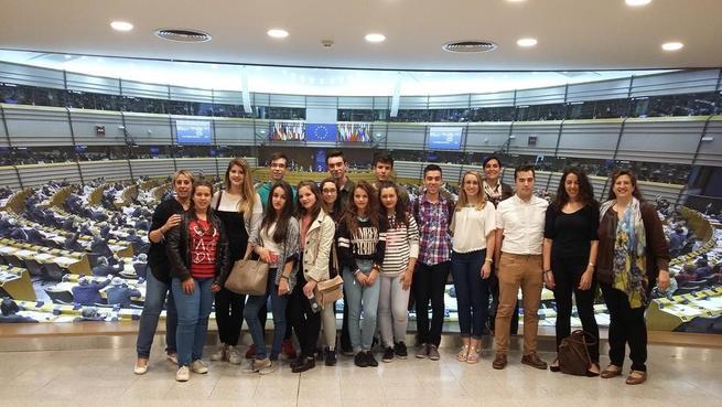 Imagen: Estudiantes castellano-manchegos ponen en valor las instituciones europeas gracias al proyecto Euroescola