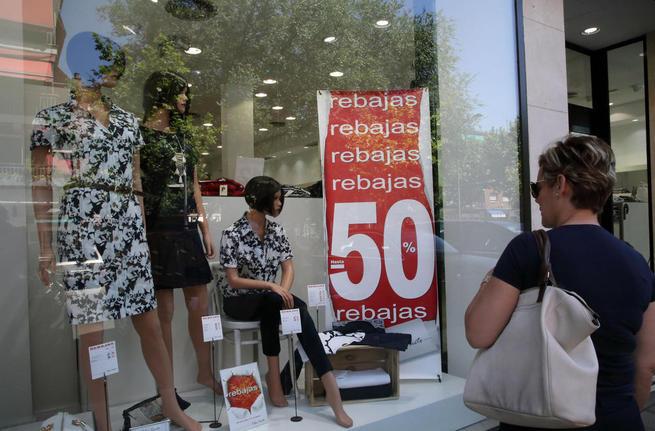 Imagen: El Gobierno de Castilla-La Mancha informa de los derechos de los consumidores a la hora de efectuar sus compras en rebajas
