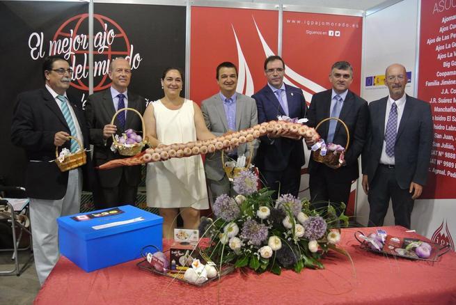 El Gobierno regional recupera su apuesta económica por la Feria Internacional del Ajo y destaca el buen momento que atraviesa el sector