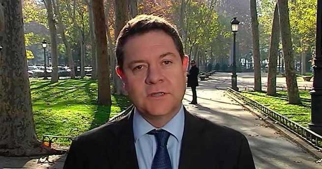 """El presidente regional alerta sobre la """"amenaza"""" que el independentismo catalán supone para """"cualquier Constitución"""" y la """"soberanía nacional"""""""