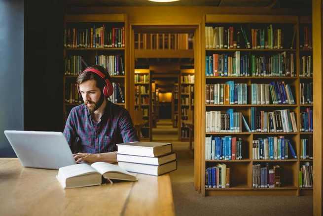 Castilla-La Mancha cierra 2018 con 904 usuarios y 21 libros leídos en los Clubes de lectura virtuales, puestos en marcha en esta legislatura