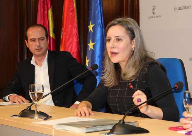El Instituto de la Mujer ya ha finalizado los trámites para poner en marcha la Catedra de Género 'Isabel Muñoz-Caravaca'