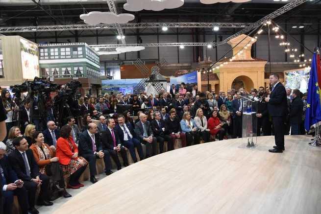García-Page anuncia una inversión de 16 millones de euros para la renovación de la cartelería turística de toda la región