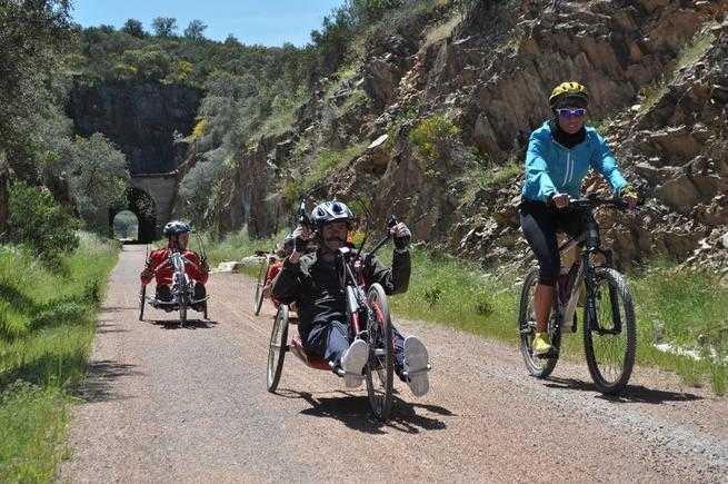 La DGT intensificará la vigilancia en carreteras frecuentadas por ciclistas