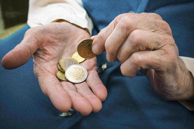 La pensión media de jubilación de un autónomo en CLM es 419 euros inferior a la de un asalariado