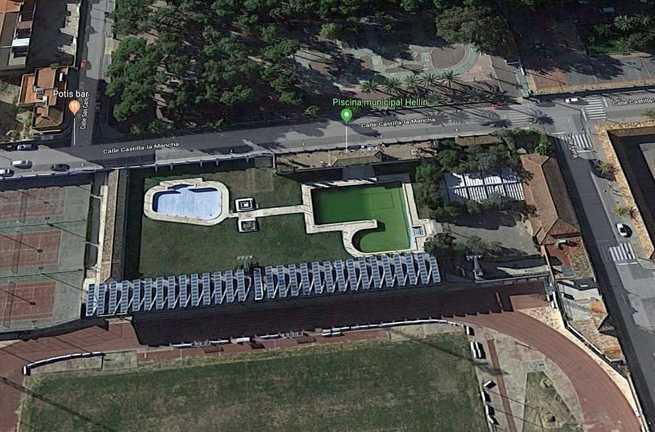 Un joven de 19 años trasladado al hospital tras ser rescatado de la piscina municipal de Hellín