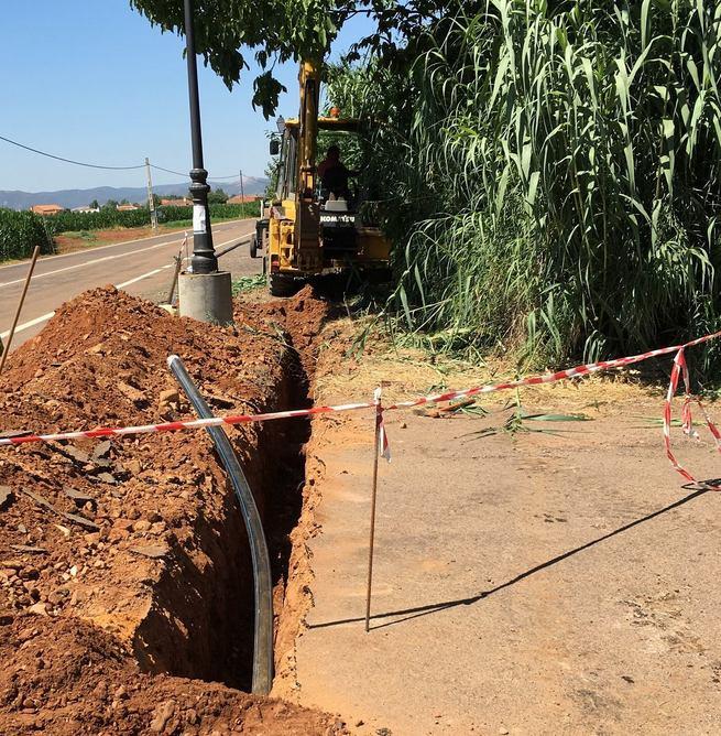 El Ayuntamiento de la EATIM El Torno renueva las redes de agua potable para mejorar su rendimiento y reducir las fugas