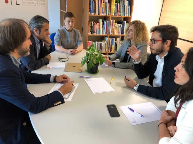 La alcaldesa de Ciudad Real pide a AJE que colabore en el desarrollo del Polígono de SEPES