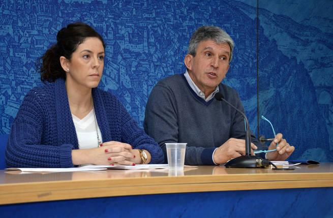 """El Gobierno local exige un explicación por las espumas del río Tajo y denuncia la """"sanción política"""" de la CHT a Toledo"""
