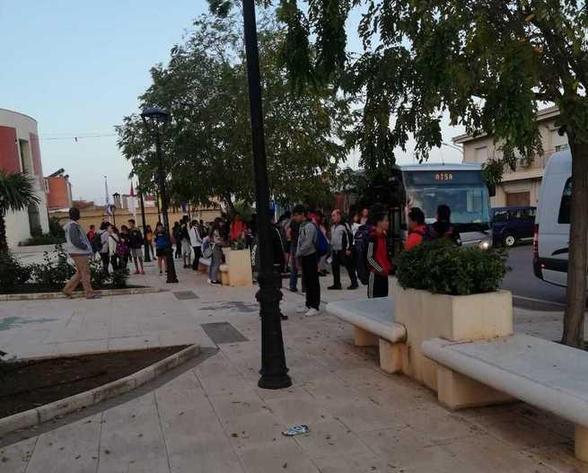 Poblete pone en marcha la figura del coordinador escolar para el transporte de alumnos a institutos de la capital
