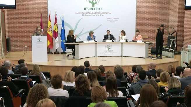 El presidente García-Page recuerda al Estado la deuda pendiente de 450 millones a la región en concepto de dependencia