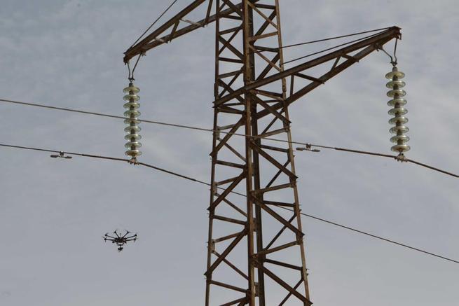 Imagen: Unión FENOSA Distribución revisa condrones casi 550 kilómetros de líneas eléctricas en la provincia de Ciudad Real