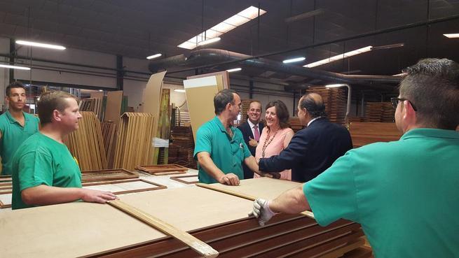 Imagen: Puertas Uniarte recibió la visita de la consejera de Economía, Empresas y Empleo, Patricia Franco, por su 25 Aniversario