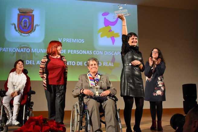 Jesús Mora y APAFES galardonados con los  VI Premios a la Labor a favor de Personas  con Discapacidad de Ciudad Real