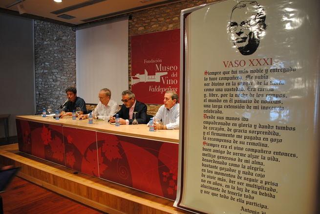 """Antonio Hernández, protagonista del homenaje a la poesía del """"Vaso XXXI Ciclo de Vinos Nobles"""""""