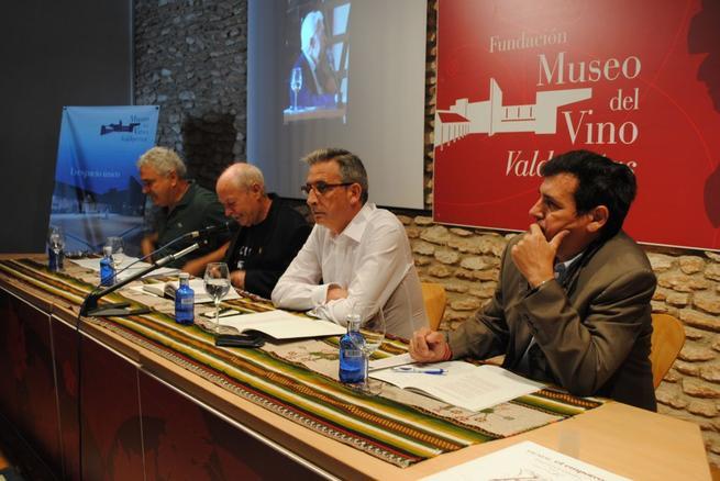 """Imagen: Antonio Carvajal, figura del homenaje a la poesía del """"Vaso XXX del Ciclo de Vinos Nobles"""""""