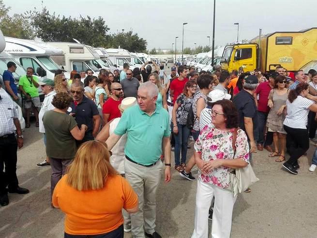 Más de 400 personas y 130 autocaravanas se dan cita en la inauguración del área de pernocta de Viso del Marqués