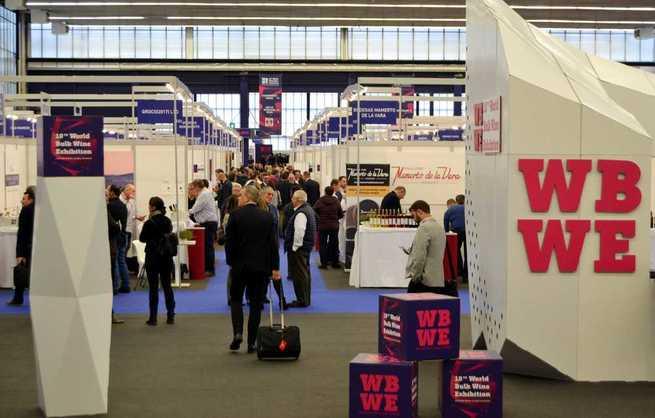 El presidente de Castilla-La Mancha inaugura este lunes la WBWE, la mayor feria del mundo para el negocio del vino a granel