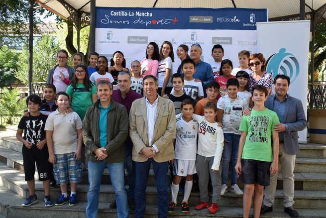 1.100 escolares de Ciudad Real disfrutan  de una jornada deportiva en la calle