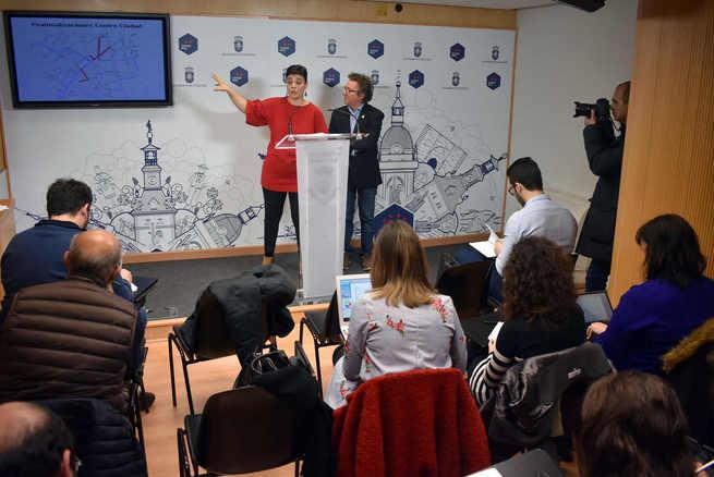 La Alcaldesa de Ciudad Real presenta las peatonalizaciones que se llevarán a cabo en el centro de la ciudad