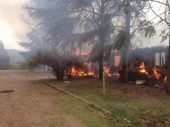 imagen de Un incendio en la finca de El Tamaral provoca importantes daños materiales