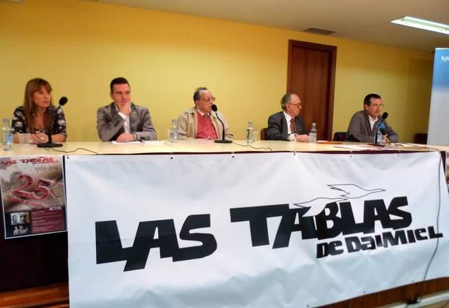 """imagen de Repaso a la Historia del periodismo daimieleño en el 25 Aniversario de """"Las Tablas"""""""