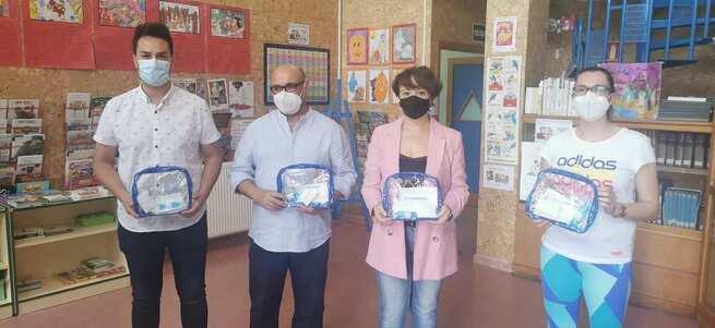 El Ayuntamiento de Socuéllamos reparte cerca de 2.000 kits anti-covid a los escolares