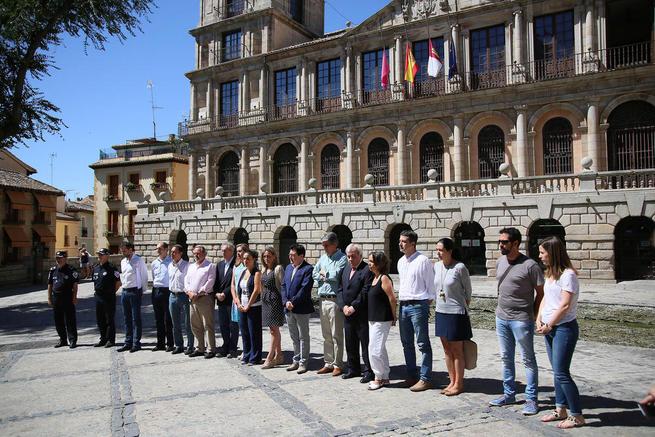 Imagen: Toledo muestra su condena por el atentado de Niza y se solidariza con el pueblo francés, las víctimas y sus familias