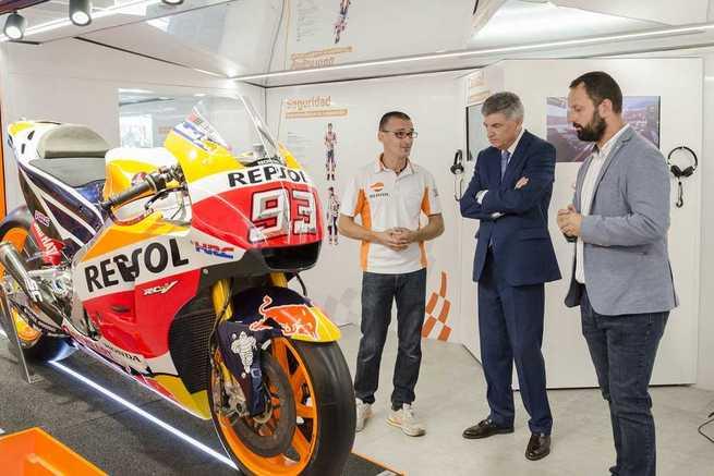 La exposición itinerante REPSOL Racing Tour abre sus puertas en Puertollano
