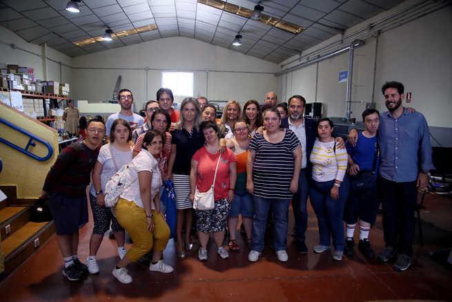 La alcaldesa traslada su apoyo a Down Toledo y a su ya tradicional Carrera Solidaria que se celebrará el 23 de septiembre