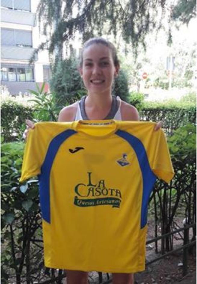Imagen: La jugadora venezolana sub-20 Mari Rincón primera extranjera para el FF La Solana