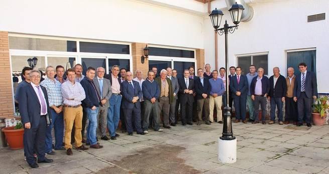 Imagen: Gómez Mora ofrece a las cooperativas agrarias el soporte financiero de Caja Rural Castilla-La Mancha
