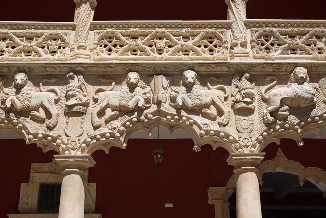 Imagen: Versos a Medianoche, en el Patio de los Leones