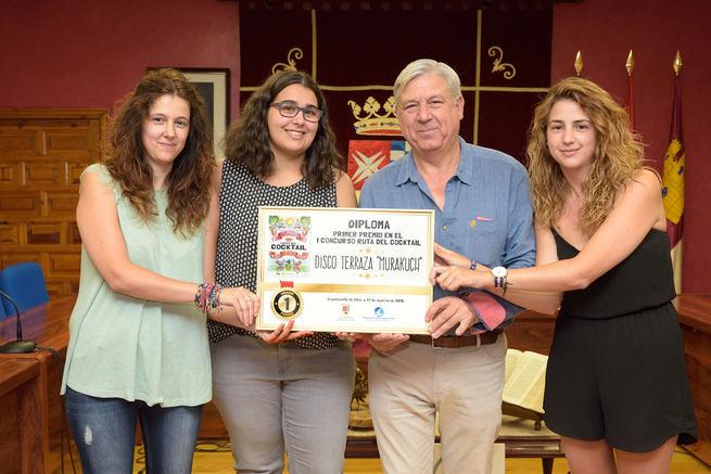 Disco Terraza Murakuch gana la primera edición del concurso Ruta del Cocktail de Argamasilla de Alba