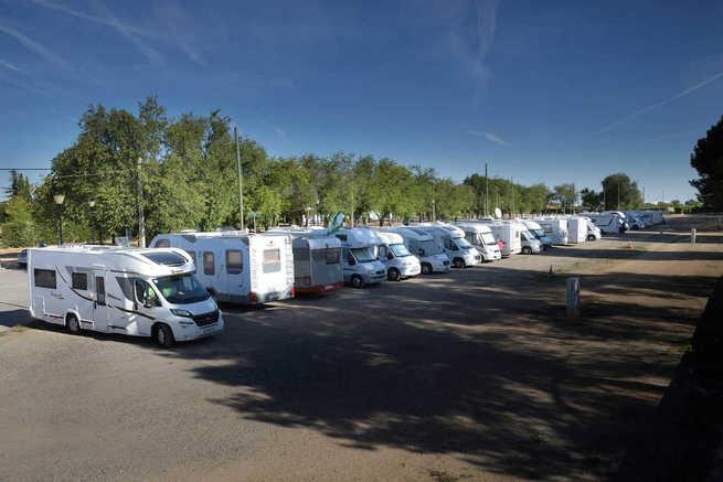 Argamasilla de Alba habilita en el recinto ferial un aparcamiento de autocaravanas