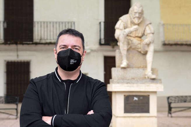José Antonio Navarro presenta la programación de 'Abril: Mes de las letras' en Argamasilla de Alba
