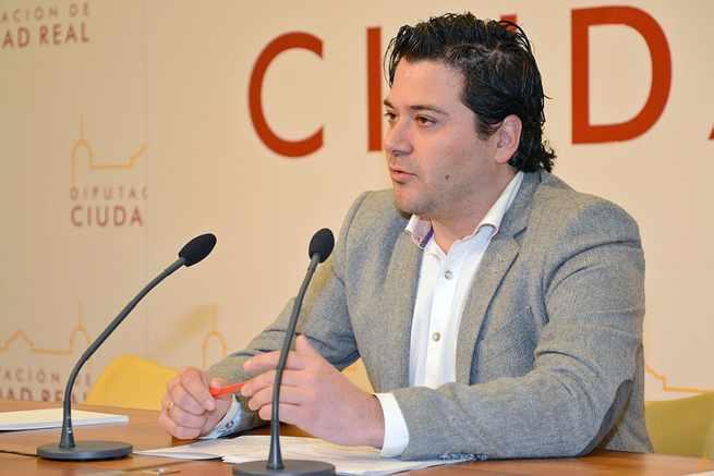La presentación del concierto de Cobos en Criptana se convierte en un claro desprecio a la colaboración institucional que impulsa la Diputación