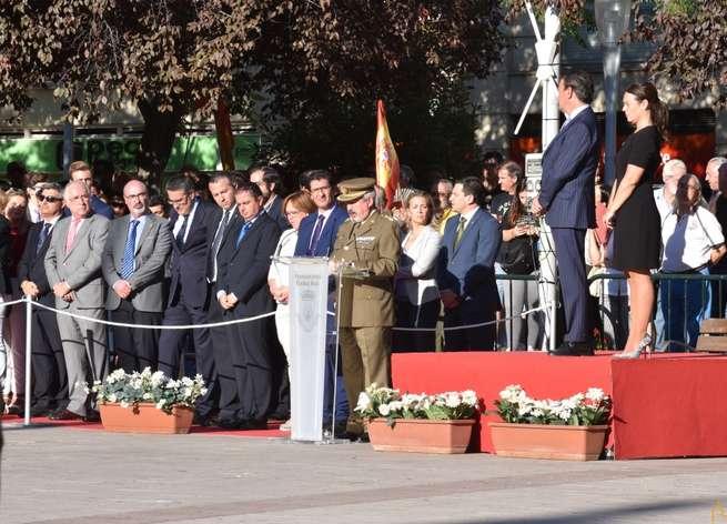 El presidente de la Diputación ha asistido esta tarde al acto de homenaje a la bandera