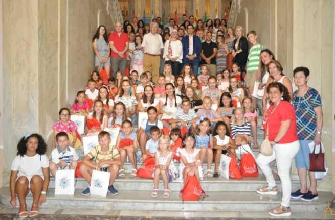 Caballero y Zamora ven en las familias de acogida de los menores ucranianos un referente de enorme generosidad