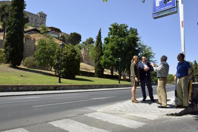Imagen: El Ayuntamiento de Toledo realiza diversas obras de adecentamiento en el Paseo de Recaredo para mejorar el tránsito de los peatones